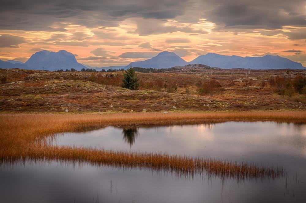 Quiet lake. Photo: John Einar Sandvand