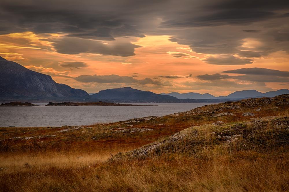Autumn colors at Smøla. Photo: John Einar Sandvand