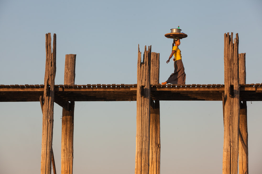 Balancing act at U Bein bridge. Photo: John Einar Sandvand