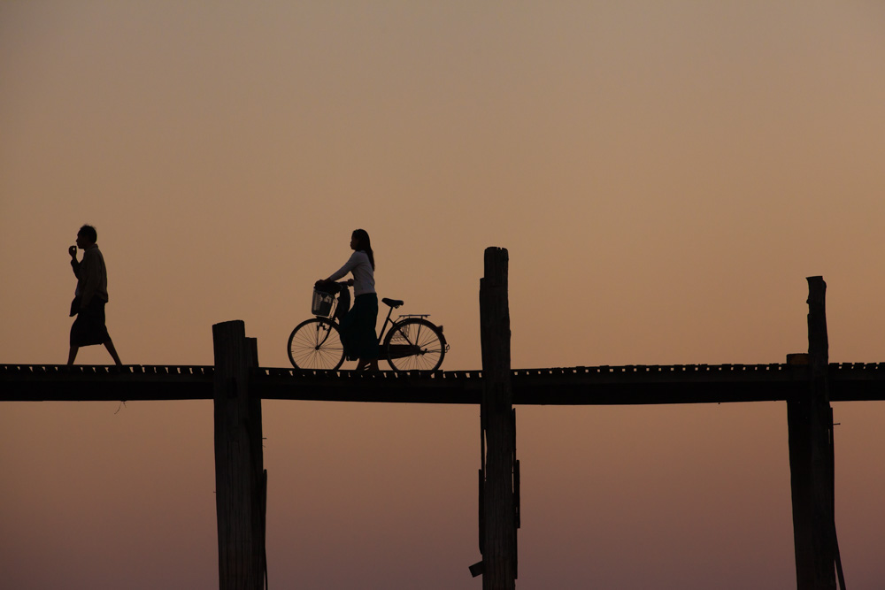 Sunset at U Bein bridge. Photo: John Einar Sandvand