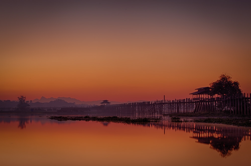 U Bein bridge in Myanmar at sunrise. Photo: John Einar Sandvand