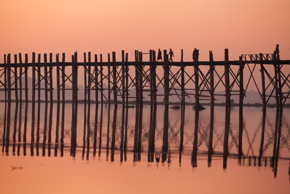 Colors at U Bein bridge are always changing. Here from the sunrise. Photo: John Einar Sandvand