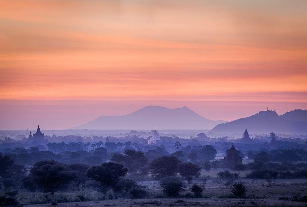 Sunrise from the Bulethi stupa in Bagan. Photo: John Einar Sandvand