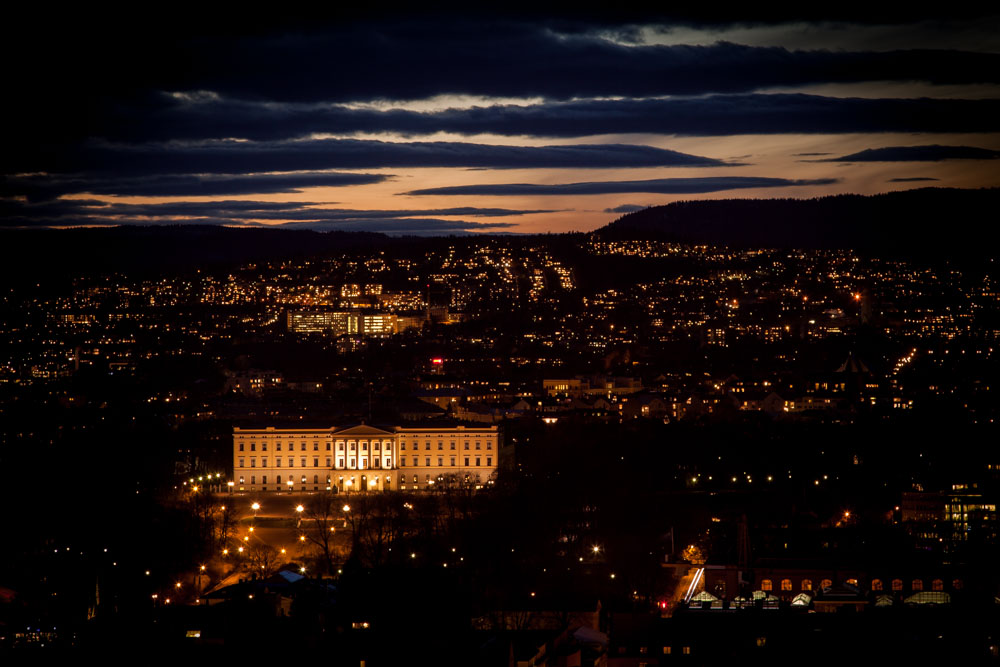 The royal castle in Oslo - photographed from the rooftop of one of Oslo´s two skyrises, Postgirobygget. Photo: John Einar Sandvand